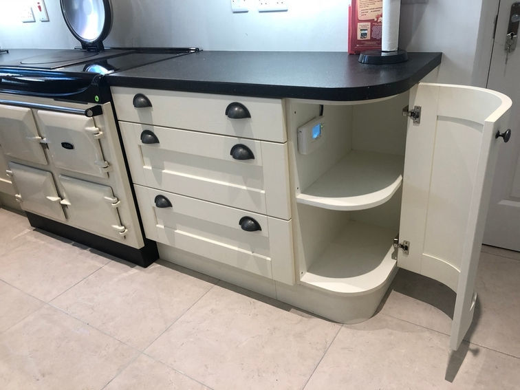 aga-black-cream-side-switch